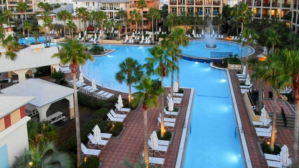 35 lagoon pool